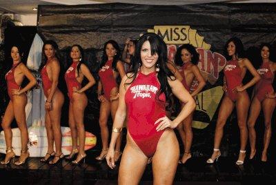 Presentacion de las candidatas a Miss Hawaiian Tropic 2008, en Ibiza Lounge. En la foto Marcela Negrini. 02/12/2008. Esteban Dato