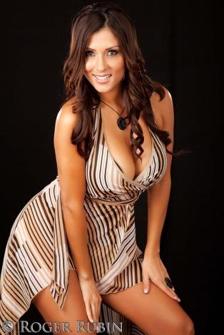 Stephanie Arias 16