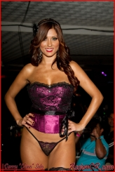 Stephanie Arias 30