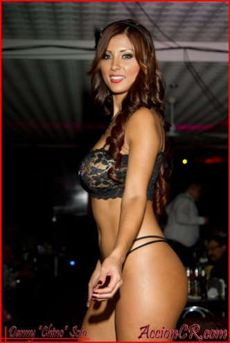 Stephanie Arias 38