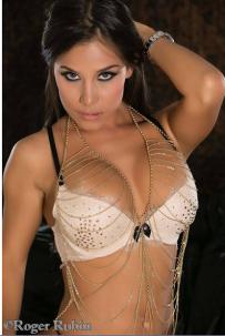 Melissa Mora002
