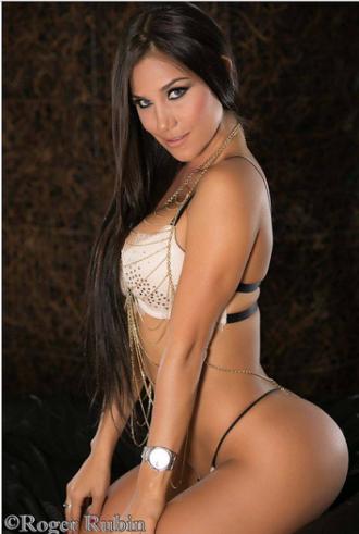 Melissa Mora004
