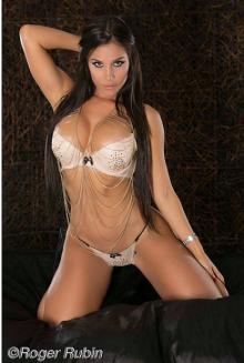 Melissa Mora009