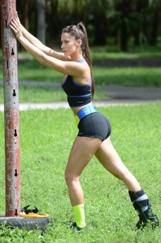 Anais+Zanotti+Anais+Zanotti+Yoga+Miami+Park+4SrSzA0Kk7Ll