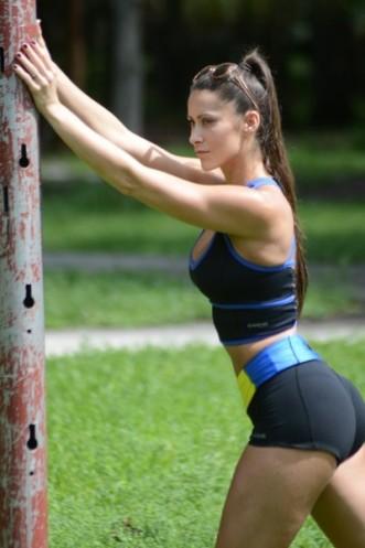 Anais+Zanotti+Anais+Zanotti+Yoga+Miami+Park+_Ah1yT1hjvJl
