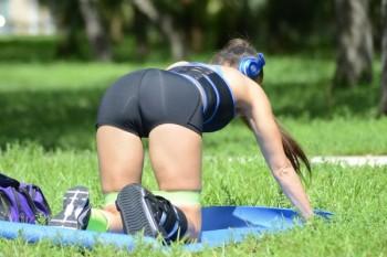 Anais+Zanotti+Anais+Zanotti+Yoga+Miami+Park+bMfZiI8AarGl