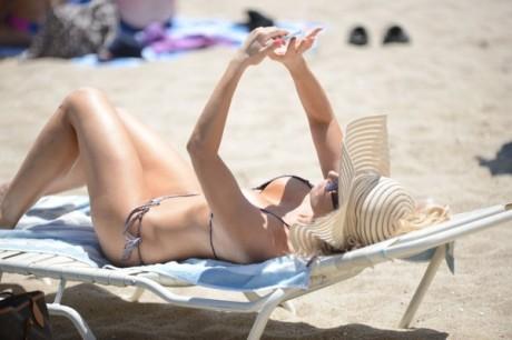 Ana+Braga+Ana+Braga+Shows+Off+Bikini+Body+k_QoGg307P0l