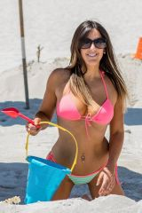 claudia-romani-in-bikini-in-south-beach-08-14-2018-7