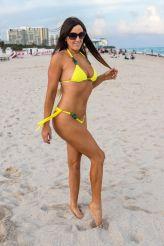 claudia-romani-in-bikini-at-south-beach-11-11-2018-1