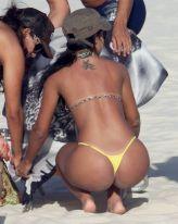 julia-paes-praia_f_010