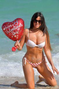 claudia-romani-in-red-and-white-bikini-on-valentine-s-day-at-a-beach-in-miami-02-14-2018-0