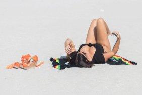 Claudia-Romani-Sexy-Swimsuit-16